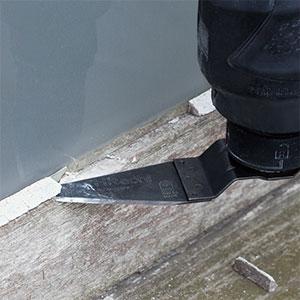10.8V無繩多功能工具CV12DA使用示例:填縫去除