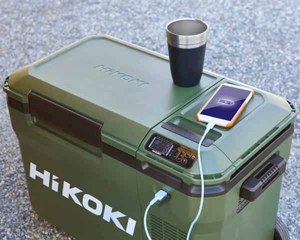 スマートフォンを充電するイメージ